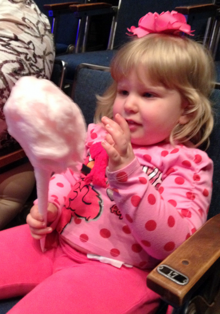Elmo Live Cotton Candy Holding May 2014 SNAG-0000